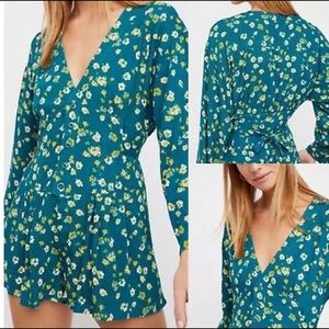 🆕✨ FREE PEOPLE — L'amour Printed Romper